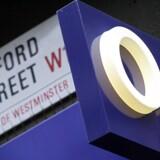 »3« vil med milliardovertagelsen af sin britiske konkurrent O2 blive lige så stor dér, som Telia og Telenor er i Danmark. Arkivfoto: John D. McHugh, AFP/Scanpix