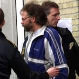 Den såkaldte »svenske superskurk« Clark Olofsson har genvundet sit svenske statsborgerskab - efter 21 år. Den svenske bankrøver har blandt (meget) andet været involveret i gidseltagningen, der senere lagde navn til »Stockholm-syndromet«.