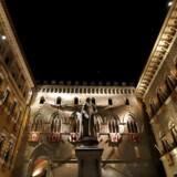 Den kriseramte italienske storbank Monte dei Paschi di Sienas behov for ekstra kapital er steget fra 5 mia. euro til 8,8 mia. euro.