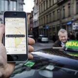 Uber er punkteret og sendt i garagen. Den kommende taxalov blev dødsstødet for kørselstjenesten Uber i Danmark. Uber lukker 18. april, men selskabet afviser ikke et comeback på et tidspunkt.. (Foto: Thomas Lekfeldt/Scanpix 2017)