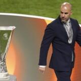Ajax-træner Peter Bosz skal være ny cheftræner i Borussia Dortmund ifølge tysk medie. Reuters/Phil Noble