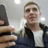 Ny krypteringsteknologi i Apples iOS 8-styresystem og den kommende, nye Android-udgave fra Google betyder, at myndighederne ikke længere kan få adgang til en række data lagret på smartphonetelefonerne. Arkivfoto: Maxim Shemetov, Reuters/Scanpix