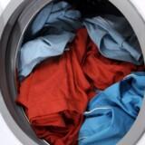 Bakterierne samler sig også i maskinen, så giv den en kogevask - gerne med tøj i - en gang imellem. Free/Colourbox