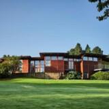 Bjarne Riis' villa i Vejle har været til salg on and off siden 2006, og prisen er i mellemtiden dalet fra 22 til 15 millioner kroner.