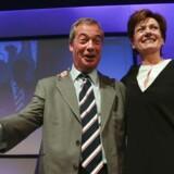 Arkivfoto: Det er kun få uger siden, at Nigel Farage officielt præsenterede sin arvtager, Diane James, som leder af UKIP-partiet.