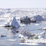 Både Danmark, Canada og Rusland gør krav på store områder i Arktis, og der er sammenfald i kravene, så der er mulighed for spændinger i området. RB Plus: Nu gør vi krav på Nordpolen. Det danske krav er arealmæssigt mere end 20 gange større end Danmark.