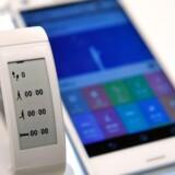 Sony Mobile høster stor ros og anerkendelse for sine seneste Xperia Z3-telefoner og har også fornyet sit smartur, men salget går ikke godt nok, og nu skal der igen skæres ned. Arkivfoto: David Becker, Getty Images/AFP/Scanpix