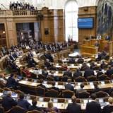 Kan man samle nok underskrifter, skal det være muligt at stille et beslutningsforslag direkte i Folketinget, mener et flertal.