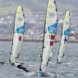 For tredje gang i America's Cups lange historie skal det prestigefyldte sejlsportstrofæ til New Zealand.