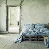 Samme nuancer skaber sammenhæng og harmoni. Her er det lækkert sengetøj og gardiner fra franske Numéro 74, der forhandles hos Smallable.com.