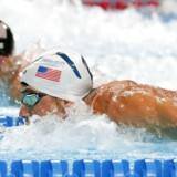 Den amerikanske svømmer Michael Phelps konkurrerede i går med rivalen Ryan Lochte i OL-finalen i 200 meter individuel medley. En canadisk kommentator fik uheldigvis forbyttet de to svømmere, hvilket ikke gik ubemærket hen.