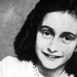 Anne Frank fotograferet den 1. januar 1942. Nu vil et stort hold af eksperter forsøge at finde frem til hendes angiver.