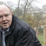 Kort efter at den administrerende direktør Knud Steen Larsen er stoppet i virksomheden, har bestyrelsesformanden valgt at trække sig efter kritik. Det oplyser EWII i en pressemeddelelse.