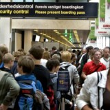 Der er for mange bøvlede sikkerhedstjek, når man går igennem sikkerhedskontrollen i lufthavnen, og sikkerhedsprocedurerne er for forskellige indenfor EU, lyder det onsdag fra flere danske lufthavne.