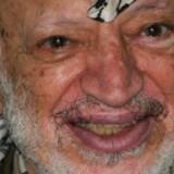PLO-lederen Yassir Arafat døde i 2004 - prøver fra hans lig skal nu undersøges for at fastslå, om han blev forgiftet.