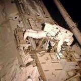 Reparationsarbejde på rumstationer er ikke for børn, og kan i værste fald ende i en ensom død. Arkivfoto: NASA