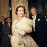 32-årige skuspillerinde Claire Foy spiller dronning Elizabeth, mens Matt Smith spiller prins Philip i Netflixs nye serie The Crown.