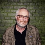 »Vi kræver, at de fjerner Peter Aalbæk som executive producer,« siger CEO for Film i Väst Mikael Fellenius til Kulturnyheterna.