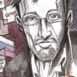For et år siden kom det første af en stribe læk af hemmelige dokumenter fra den tidligere medarbejder hos den nationale efterretningstjeneste i USA Edward Snowden. Det år har sat fokus på privatliv på internettet - og manglen på samme. Og så er der en film instrueret af Oliver Stone på vej om whistlebloweren, ligesom han har fået sin egen tegneserie »Beyond Edward Snowden«, som udgives af Bluewater Production. Her ses et udsnit af tegneseriens cover.