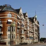 Økonomer advarer om, at stigende spekulation i det københavnske ejerlejlighedsmarked kan få priserne til at rasle ned.