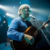 Søren Huss på scenen udner en koncert i Vejle Musikteater for nylig.