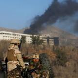 Efter angrebet lørdag aften på et hotel i Kabul i Afghanistan er dødstallet nu opjusteret af myndigheder.