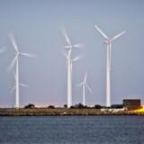 En gradvis afskaffelse af PSO-afgiften frem mod 2022 vil betyde en lempelse af erhvervsskatterne på 3,7 milliarder kroner i 2022 ifølge Skatteministeriet. Det glæder klima- og energiminister Lars Christian Lilleholt (V), at det kommer landkommunerne til gode. Arkivfoto.