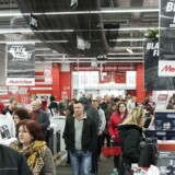 epa05646611 Customers shop for electronic products at an electronics store during the Black Friday shopping event in Nyiregyhaza, 245 kms east of Budapest, Hungary, 25 November 2016. Black Friday, a shopping event known for bargains, is relatively new in Hungary. According to polls, the number of Hungarians hunting for shopping deals has grown this year compared to 2015. EPA/ATTILA BALAZS HUNGARY OUT