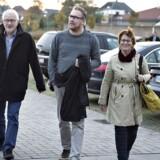 Højesteret har i dag endeligt afgjort slagsmålet om et swap-lån mellem Jyske Bank og Engskoven Andelsboligforening i Skødstrup. Her ses bestyrelsesmedlemmer fra Engskoven Andelsboligforening, da sagen blev behandlet i Vestre Landsaret - til venstre talmand Lund Poulsen.