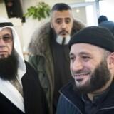 Oussama El-Saadi (th) og Ali Ismail (tv) fra Grimhøj moskeen ankommer til hasteindkaldt møde søndag d. 6 marts 2016 i Aarhus. Rabih Azad-Ahmad, den radikale leder i Aarhus og rådmand for kultur og borgerservice har indkaldt til mødet efter TV2's afsløringer omkring Grimhøj-moskeen. (Foto: Axel Schütt/Scanpix 2016)