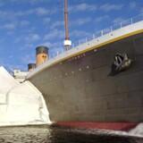 Titanic-museet er bygget op som en kopi af den originale stævn, dog i halv størrelse. Fotos: Amalie Kønigsfeldt, Jesper Ejlsmark Berthelsen og PR