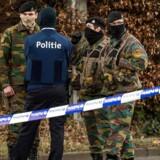 Billeder af belgisk politi, der i sidste uge anholdt Reda Kriket, som også er mistænkt for at have planlagt et terrorangreb i Frankrig.