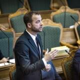 Det har vakt opsigt og forargelse, at den radikale leder, Morten Østergaard, har omtalt en eventuel socialdemokratisk regering med SF og Dansk Folkeparti som parlamentarisk grundlag som et »rødbrunt kabinet«.