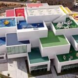 Set fra luften ligner LEGO House for alvor en bygning konstrueret af LEGO-klodser Pressefoto