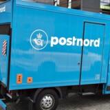 Som noget nyt vil PostNord ikke bare ringe på dørklokken, når de afleverer pakker. De vil også ringe på mobilen.