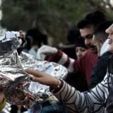Torsdag bøjede Grækenland sig for krav fra EU og anmodede om europæisk hjælp til at håndtere flygtningekrisen. Blandt andet er Grækenland blevet enig med Frontex om at påbegynde registrering af flygtninge langs den græske grænse til Makedonien, et skridt der skal være med til at forhinder, at flygtninge rejser uregistreret videre fra Grækenland til øvrige europæiske lande.