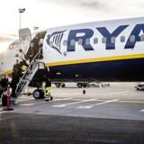 Ryanair er ene om at flyve fra København til Skavsta-lufthavnen syd for Stockholm og har kørt tilbud på enkeltbilletter til helt ned til 39 kr. Men lufthavnens placering cirka 100 kilometer syd for den svenske hovedstad, en lang bustur til og fra lufthavnen samt kun én daglig returflyvning har tilsyneladende ikke gjort ruten attraktiv nok til at kunne drive den. Arkivfoto.