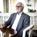 Johan Schlüter var fortvivlet over partnerkollegas reaktion, da han konfronterede hende med svindel, siger han til Filmmagasinet Ekko.