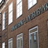På bundlinjen landede Ringkjøbing Landbobank et resultat før skat på 327 mio. kr., hvilket er en forbedring på 8 mio. kr. sammenlignet med de første seks måneder af sidste år, hvor banken tjente 319 mio. kr., inden skatten var betalt.