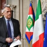 Italiens præsident Sergio Mattarella har udpeget den tidligere IMF-chef Carlo Cottarelli som leder af en overgangsregering, der skal føre Italien i sikker havn. EPA/ALESSANDRO DI MEO