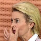 Tysklands 56-årige forsvarsminister, Ursula von der Leyen, der ofte er blevet nævnt som Angela Merkels arvtager, afviser helt og holdent at have fusket med sin afhandling.