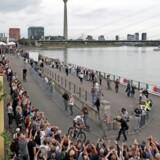 De deltagende cykelhold præsenterede sig forud for weekendens start i Düsseldorf. Foto: Benoit Tessier