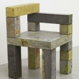 Stærkt inspireret af Gerrit Rietvelds ikoniske Steltman-stol fra 1963 bevæger Magnus Pettersens Skulptur sig på grænsen mellem kunst og design.