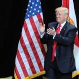 """Barack Obama bør ifølge Donald Trump træde tilbage, da han ikke har sagt ordene """"radikal islam"""" efter en massakre søndag i Florida. Scanpix/Gerardo Mora"""
