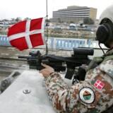 Liberal Alliance lægger sig på linje med rød bloks krav om at offentliggøre den lukkede Irak-kommissions hidtidige arbejde. Farlig kurs, mener Dansk Folkeparti.