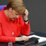 Den tyske forbundskansler, Angela Merkel, er presset af begge koalitionspartnere i spørgsmål om migration.