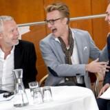 Der var højt humør, da Det Kongelige Teaters tre kunstneriske chefer, fra venstre skuespilchef Morten Kirkskov, balletmester Nikolaj Hübbe og operachef John Fulljames til formiddag i Operaens foyer præsenterede programmet for den kommende sæson 2018/19.