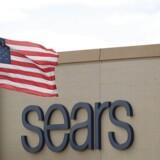 Der er ikke særlig meget at flage for for Sears Holding, der ejer detailkæderne Sears og Kmart.