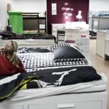 Flygtningestrømningen har tømt IKEA for senge og dyner.