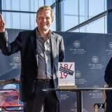 »Det er spændende, at vi har fået et menneske, som også kommunikerer med en kunstnerisk side, og som kan være med til at sætte dagsordenen i forhold til politikere. Han er et kunstnerisk brand, og det er interessant, for det kan være, at Det Kongelige Teater i højere grad kommer i offentlighedens lys,« siger teaterekspert Stig Jarl. Her ses Kasper Holten ved dagens pressemøde, hvor han blev udnævnt som Det Kongelige Teaters nye chef.